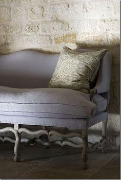EN MI ESPACIO VITAL: couch, esp the frame