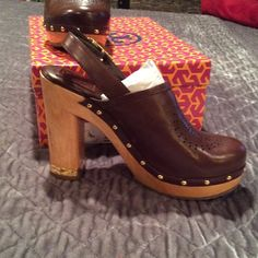 Tori Burch leather shoe Slingback brown leather shoes Tory Burch Shoes Mules & Clogs