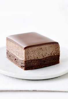 Chocolate and coffee mousse cake Cake Recipes, Dessert Recipes, Individual Cakes, Scandinavian Food, Danish Food, Mousse Cake, Eat Dessert First, Food Cakes, Sweet Cakes