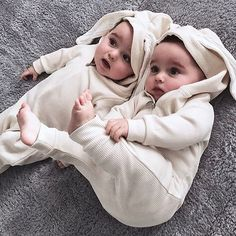 Find images and videos about cute, baby and family on We Heart It - the app to get lost in what you love. Cute Baby Boy, Twin Baby Girls, Cute Twins, Cute Little Baby, Baby Kind, Cute Baby Clothes, Baby Love, Cute Kids Pics, Cute Baby Pictures