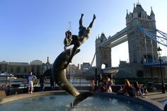 tower bridge and dolphin fountain, London, England