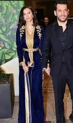 Caftan Kaftan Style, Caftan Dress, Hijab Fashion, Fashion Dresses, Kaftan Designs, Hijab Wedding Dresses, Afghan Dresses, Moroccan Caftan, Oriental Fashion