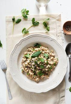 Grūbu risoto http://souvlakiforthesoul.com/2011/08/pearl-barley-risotto