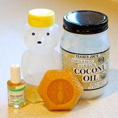 Daily Mom » Easy DIY Lip Balm: coconut oil, beeswax, vitamin E oil, honey.  I've got most of those already!!