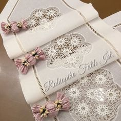 Örtüler & team& Quality & elegant & your only address where you can find many more details: # cross-st. Burlap Table Runners, Crochet Table Runner, Crochet Tablecloth, Photoshop Design, Street Style Inspiration, Flower Embroidery Designs, Crochet Home Decor, Handmade Home, Filet Crochet