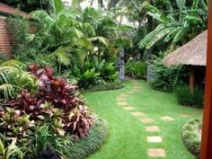 new home backyard landscaping ideas http://www.pinterest.com/sherylcr/yard-ground-cover-paths-and-edging/