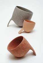 Irish ceramist Deirdre McLoughlin : high-fired biomorphic sculptures, which are polished with diamond pads.