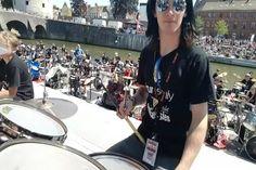 Vários bateristas fazendo Rock And Roll ao mesmo tempo:videos de musicas bandas de rock metal cover engraçados tiktok youtube cute fofos para status Live Music, Rock Music, Rock And Roll, Very Funny Photos, Asian Makeup, Korean Makeup, Eye Makeup, 70s Hair, Rock Videos