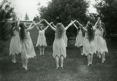 🌚🌑🌒🕷💃🏼It's today witches! (Spring Dancers by Clement Moran) Magick, Witchcraft, Witch Coven, Vintage Witch, Vintage Halloween, Halloween Table, Halloween Signs, Halloween Halloween, Vintage Holiday