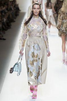 Fendi Spring 2017 Ready-to-Wear Collection Photos - Vogue