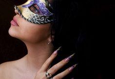 Mascarade. Glitter, pattern, edges