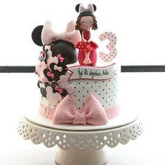 Minnie cake Mickey Cakes, Mickey Mouse Cake, Minnie Mouse Cake, Birthday Cakes For Women, Birthday Cake Girls, Cupcakes, Cupcake Cakes, Cake Models, Cake Decorating Designs