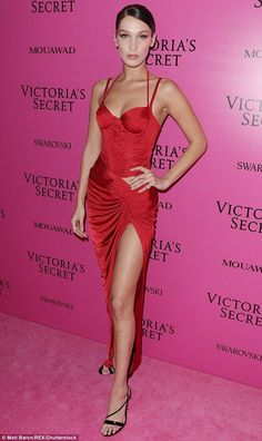Stand out in lipstick red like Bella in Alexandre Vauthier #DailyMail Click to buy now