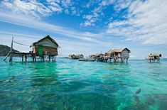 """Sea Gypsies: A Tribe In Borneo Living In Their Own Little Paradise 