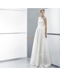 The Jesus Peiro Seams 2014 Collection is a gentle nod to dreamy haute couture - the modern bridal gowns, designe. W Dresses, Bridal Dresses, Dresses 2014, Elegant Wedding Gowns, Perfect Bride, Weeding Dress, Bride Gowns, Bridal Boutique, One Shoulder Wedding Dress