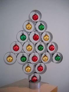 54 Ideas vintage christmas tree art mid century for 2019 50 Diy Christmas Decorations, Retro Christmas Tree, Modern Christmas, Christmas Projects, Decor Crafts, Christmas Diy, Christmas Crafts, Christmas Ornaments, Christmas Trees