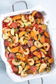 Garnalen met chorizo van de bakplaat - Leuke recepten Carb Free Recipes, Healthy Recipes, Healthy Diners, Chorizo, Diner Recipes, Vegetable Pizza, Love Food, Food And Drink, Yummy Food