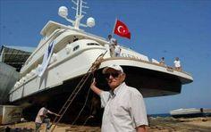 AE Tersanesi'nde 2007 yılında inşasına başlanan Türkiye'nin Türk bandıralı en büyük yatı Egeria (Su Perisi), denize indirildi.