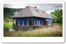 Casa traditionala din Harghita Vernacular Architecture, Architecture Student, Moomin House, Traditional House, Old Houses, Gazebo, House Plans, Cottage, Outdoor Structures