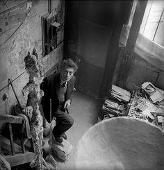 OPEN STUDIOS - Alberto Giacometti fotografato nel suo studio da CecilBeaton