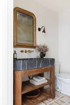 West Coast style meets modern farmhouse in this unforgettable LA home Bathroom Inspo, Bathroom Inspiration, Bathroom Modern, Bathroom Ideas, Design Inspiration, Haus Am See, Amber Interiors, Dining Nook, Beautiful Bathrooms