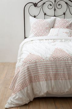 Love this bedding! Want to find knockoff for guest bedroom #anthropologie