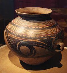 CMOC Treasures of Ancient China exhibit - painted jar - Chinese ceramics Древний Китай. Pottery Painting, Pottery Art, Painted Pottery, Antique Pottery, Oriental People, Types Of Ceramics, Pottery Workshop, Asian Art Museum, Ceramic Techniques