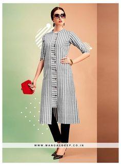 Kurti Sleeves Design, Kurta Neck Design, Sleeves Designs For Dresses, Dress Neck Designs, Blouse Designs, Salwar Designs, Kurta Designs Women, Kurti Designs Party Wear, Cotton Kurtis Designs