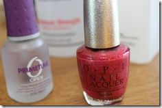 I'm going to have to try this....I can never get polish to stay on my nails.