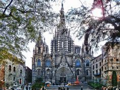 http://www.airportconnection.it/ Beautiful Cathedral receives three million visitors each year. The magnificence of its Gothic art, the splendid Gothic and Baroque altarpieces, its marvelous choir, the baptistery and the sepulcher of Saint Eulalia are evident to all observers.