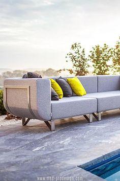 Die Modularität macht die Gartenmöbel Garnitur LOTOS besonders attraktiv und unterstützt die optimale Nutzung des Außen Raums.    Du erreichst uns unter dieser Nummer:     43 699 1599 0977    #gartenmoebel, #polstermoebelgarten, #RiesProDesign Outdoor Sofa, Outdoor Furniture, Outdoor Decor, Lounge Design, Modular Sofa, Sun Lounger, Home Decor, Garden Furniture Design, Patio Tables