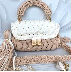Crotchet Bags, Knitted Bags, Crochet Handbags, Crochet Purses, Crochet Accessories, Bag Accessories, Crochet Bag Tutorials, Crochet Backpack, Bag Pattern Free