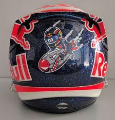 Kvyat presenta en redes su casco 'torpedo' para su GP de casa  #F1 #Formula1 #RussianGP