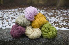 monochromatic handspun yarns