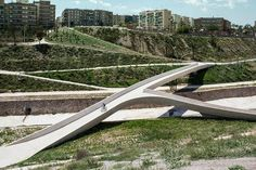 Pedestrian & cycle bridge at El Valle Trenzado, Vinalopó, Spain. Click image for link to full description and visit the slowottawa.ca boards >> https://www.pinterest.com/slowottawa/