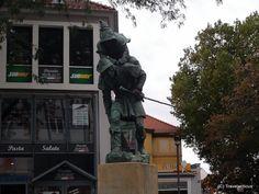 Monument to a huckup in Hildesheim, Germany Saxony Anhalt, Rhineland Palatinate, Lower Saxony, North Rhine Westphalia, Bavaria, Dark Side, Travel Destinations, Castle, Germany
