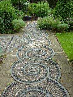 le jardin par passion... Pebble Mosaic
