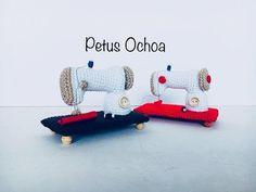Teje máquina de coser en crochet amigurumis by Petus (English subtitles ) - YouTube Crochet Doll Pattern, Crochet Dolls, Miss Match, Crochet Videos, Learn To Crochet, Crochet Designs, Crochet Stitches, Diy And Crafts, Sewing
