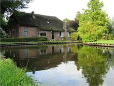 Giethoorn. Holland. Yes, I could live here!