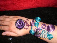 Bracelet long spirale violet et bleu fleur fimo noire & violette