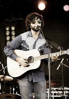 Andrew Duhon- New Orleans songwriter and musician. (Photo credit: Julia Pretus Photography)