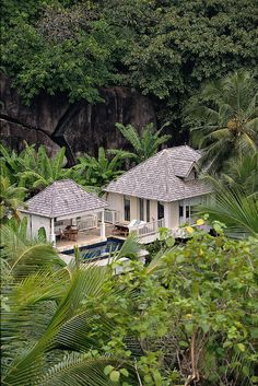 Nestled Between Lush Tropical Mountain Greenery - Banyan Tree Seychelles | Extreme Architecture | News, E-learning, Architecture of the future at news.arcilook.com