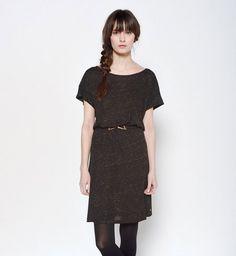 Robe pour petite poitrine : une robe tee-shirt ceinturée à la taille, Des Petits Hauts, 95€
