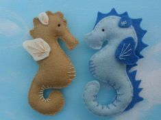 Fridge magnets from the sea . Make a fabric magnet in under 120 minutes by sewing with felt, embroidery thread, and fiberfill. Inspired by creatures. Creation posted by Marieke. Difficulty: Simple. Cost: Cheap.
