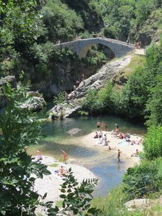 Pont du Diable, Ardèche - Frankrijk Been there Great Places, Places To See, Beautiful Places, Vacation Places, Places To Travel, Travel Around The World, Around The Worlds, Holiday Places, South Of France