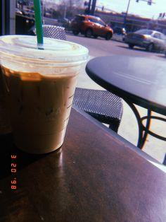Coffee Photography, Tumblr Photography, Cheap Coffee Maker, Ft Tumblr, Oran, Feed Goals, Coffee Photos, Fake Photo, Insta Photo Ideas