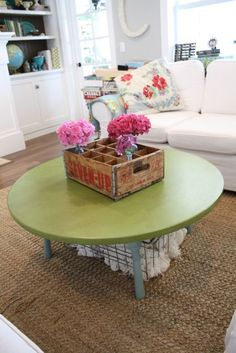 Pop of color & Fresh flowers - though I'd make the table color a little brighter