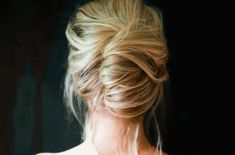 You will love these quick and easy cute bun hairstyles for busy moms. Find 25 messy bun hairstyles that take very little time. Easy bun hairstyles for moms. Cute Bun Hairstyles, Easy Formal Hairstyles, Simple Wedding Hairstyles, Haircuts For Long Hair, Bobby Pin Hairstyles, Hairdos, Fashion Hairstyles, Fall Hairstyles, Hairstyles Pictures