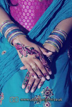 Wedding photography. Asian wedding photography. Wedding mendhi. Mendhi. Hands. Bengali wedding photography.