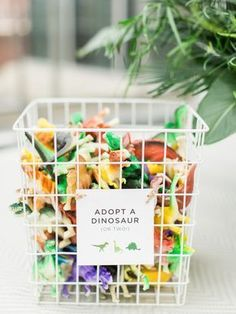 boy birthday parties Find the 10 best Dinosaur Party Favor Ideas curated by Pineapple Paper Co. How to make your own Dinosaur Birthday Party Favors and Dinosaur Party Supplies Dinosaur Party Supplies, Dinosaur Party Favors, Dinosaur Party Activities, Diy Dinosaur Party Decorations, Toddler Party Favors, Birthday Activities, Family Activities, Dinosaur First Birthday, 1st Boy Birthday
